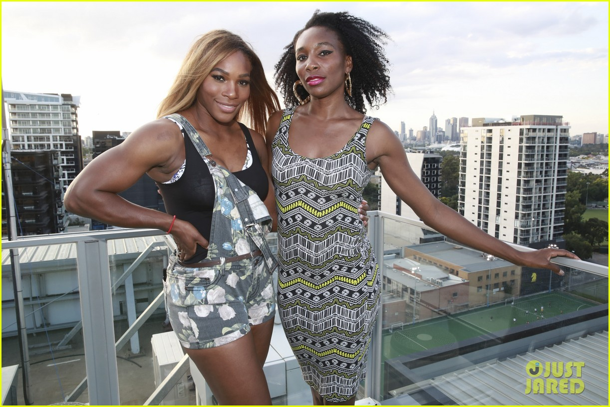venus serena williams play cricket with the pros 033026369