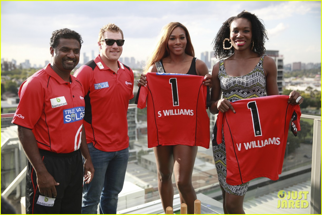 venus serena williams play cricket with the pros 08