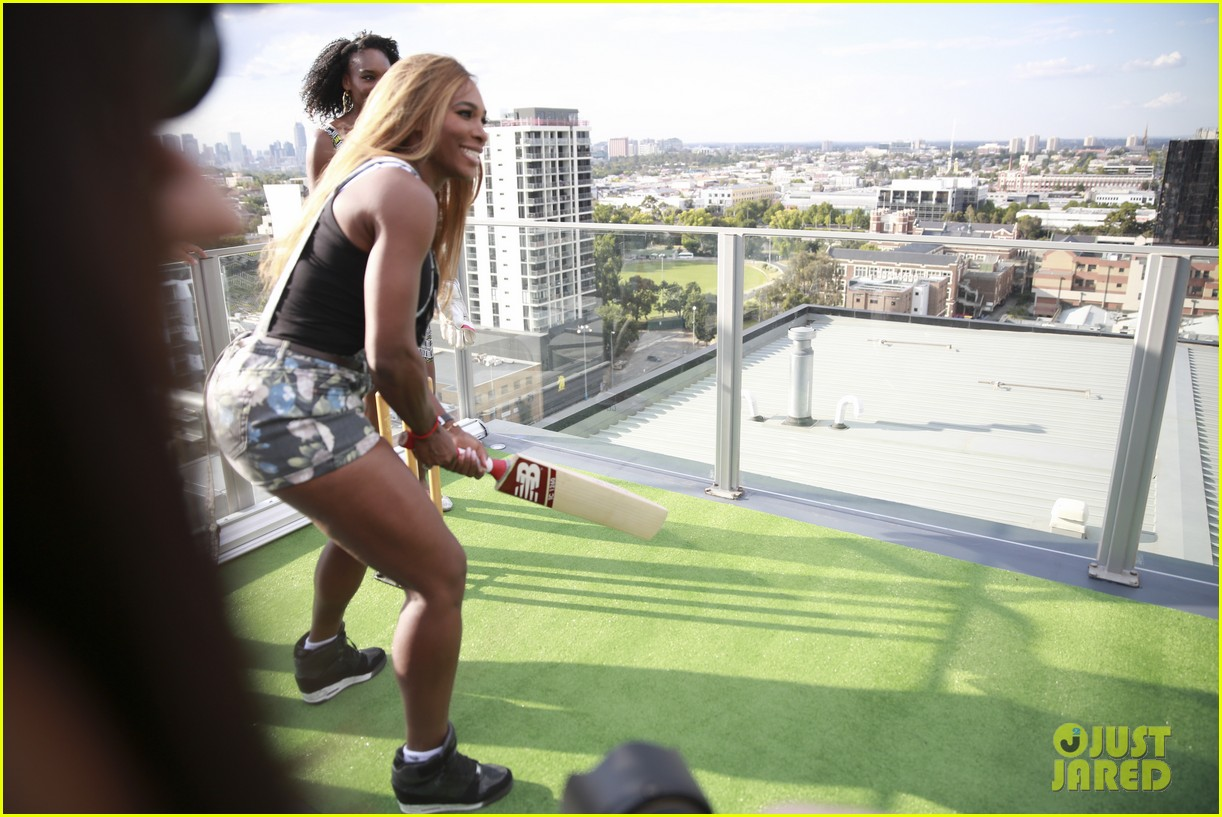 venus serena williams play cricket with the pros 133026379