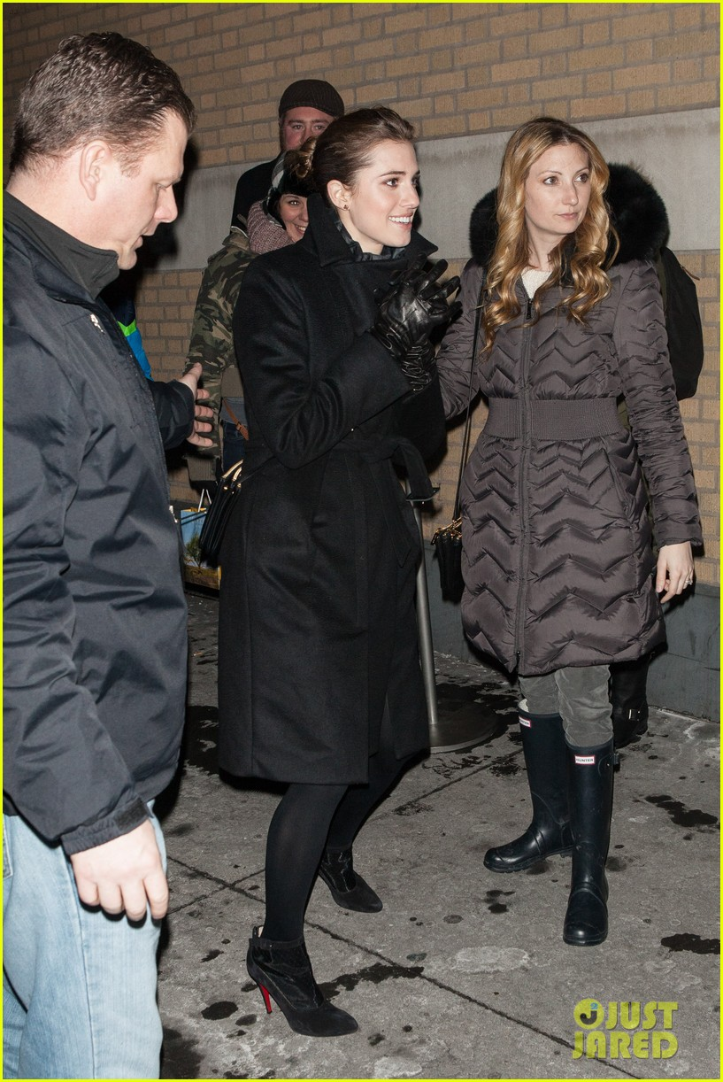 allison williams meet the actors at apple store in nyc 043039242