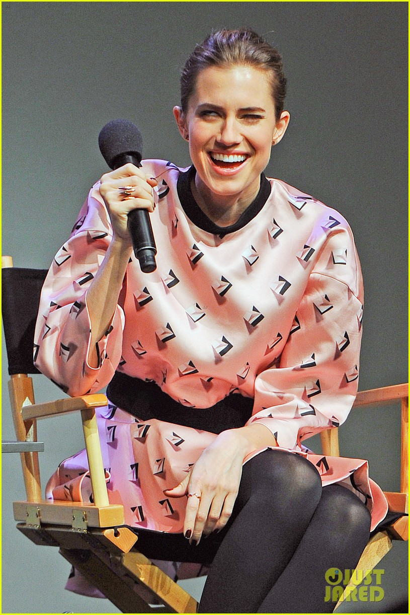 allison williams meet the actors at apple store in nyc 073039245