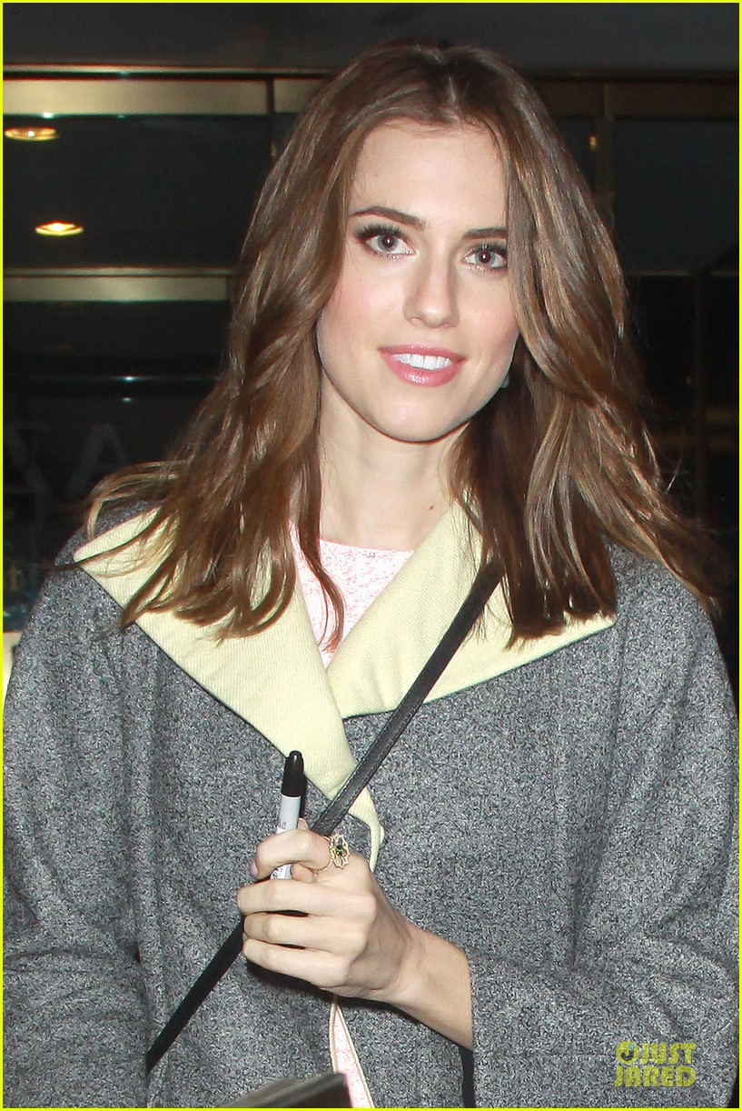 allison williams twitter scares me 063024015