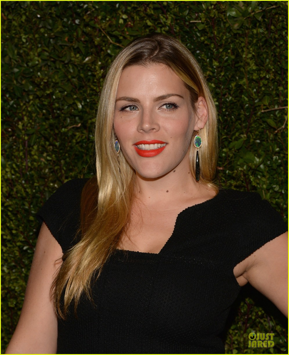 reese witherspoon busy philipps drew barrymore book celebratiion 04