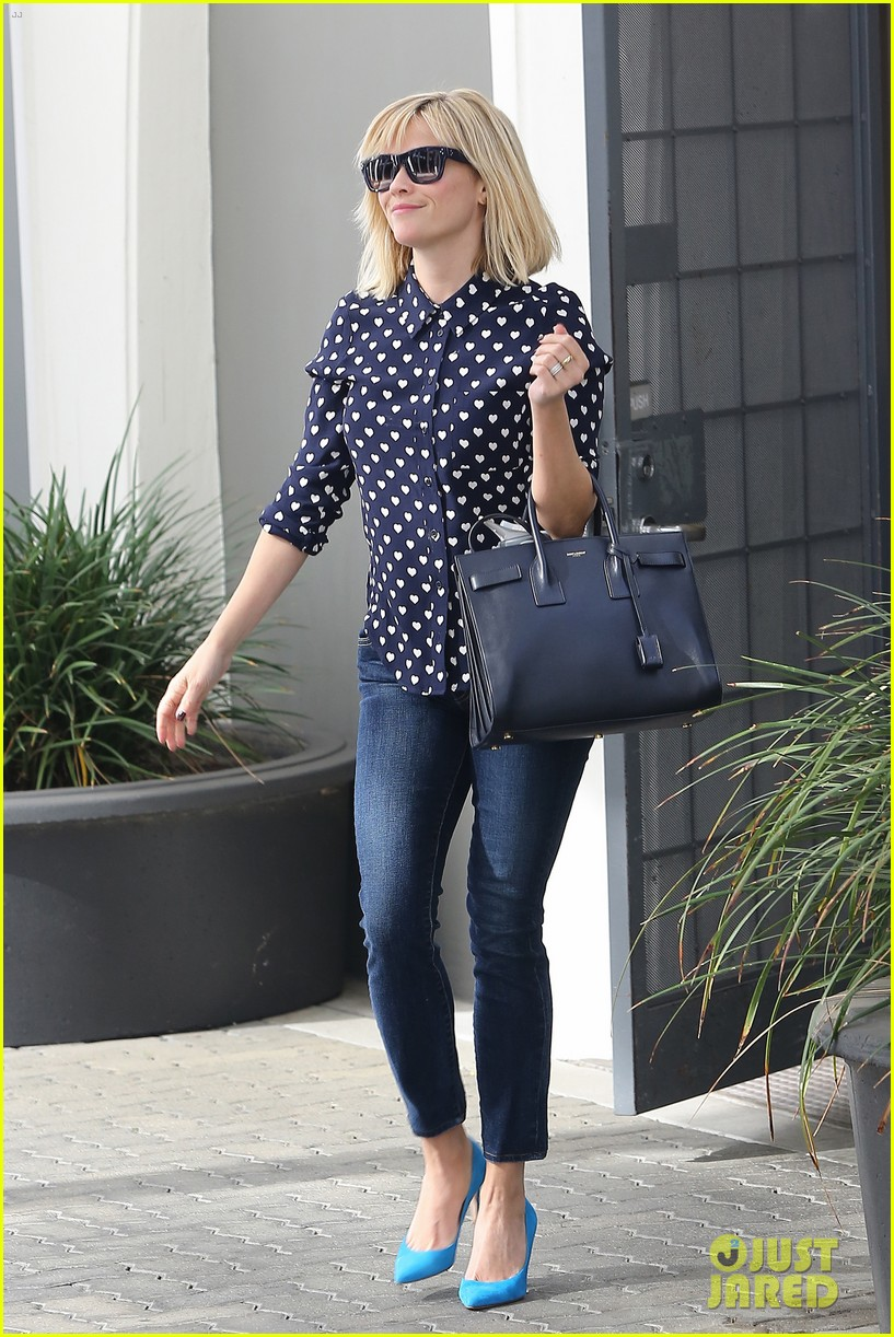 reese witherspoon keeps busy with shopping meetings 063038832