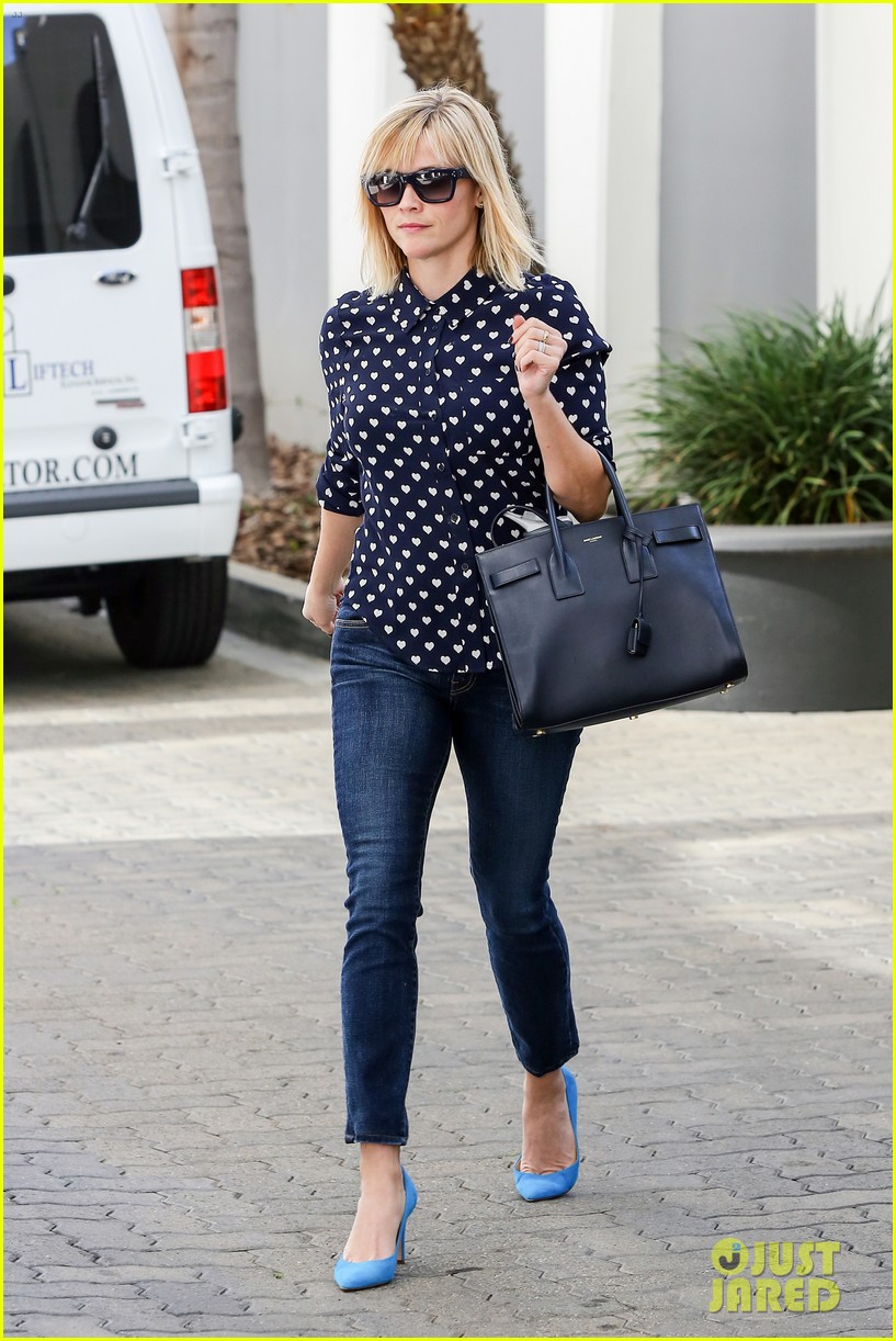 reese witherspoon keeps busy with shopping meetings 093038835