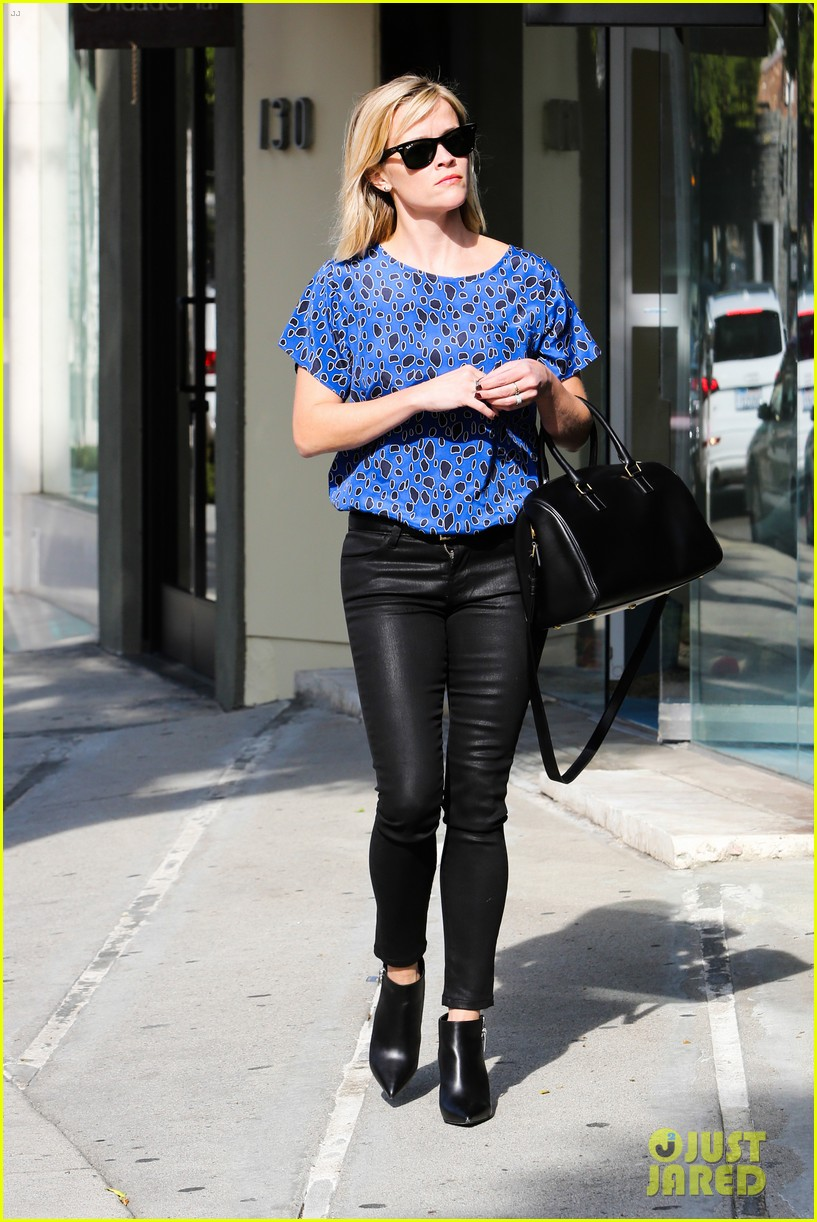 reese witherspoon keeps busy with shopping meetings 223038848