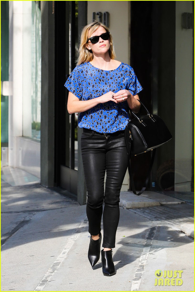 reese witherspoon keeps busy with shopping meetings 293038855