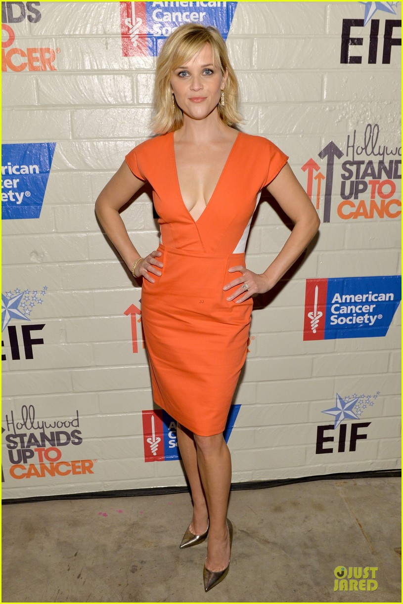 reese witherspoon hostess with the mostess for stand up to cancer 01