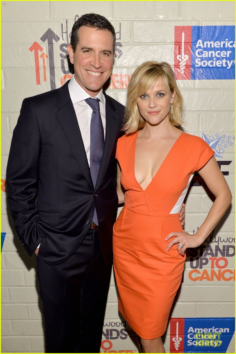 reese witherspoon hostess with the mostess for stand up to cancer 083043241