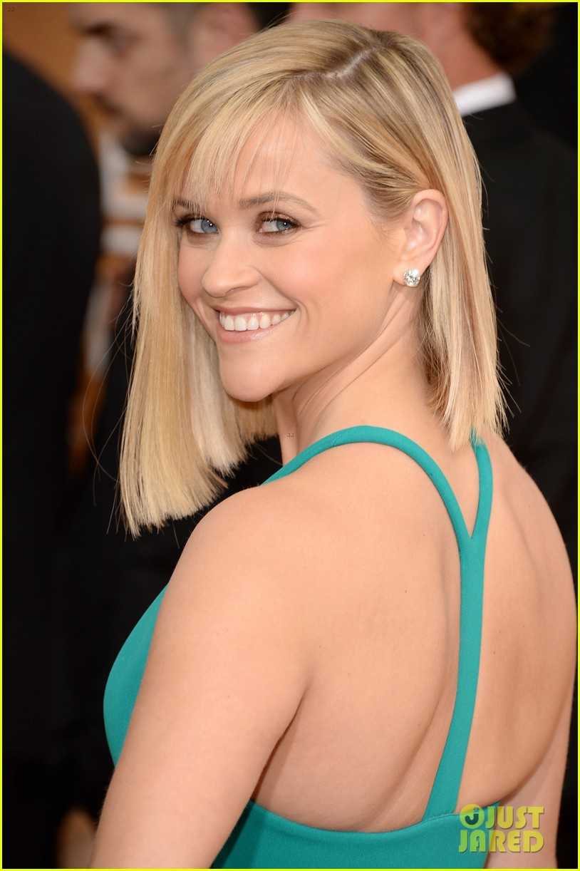 reese witherspoon golden globes 2014 red carpet 013029251