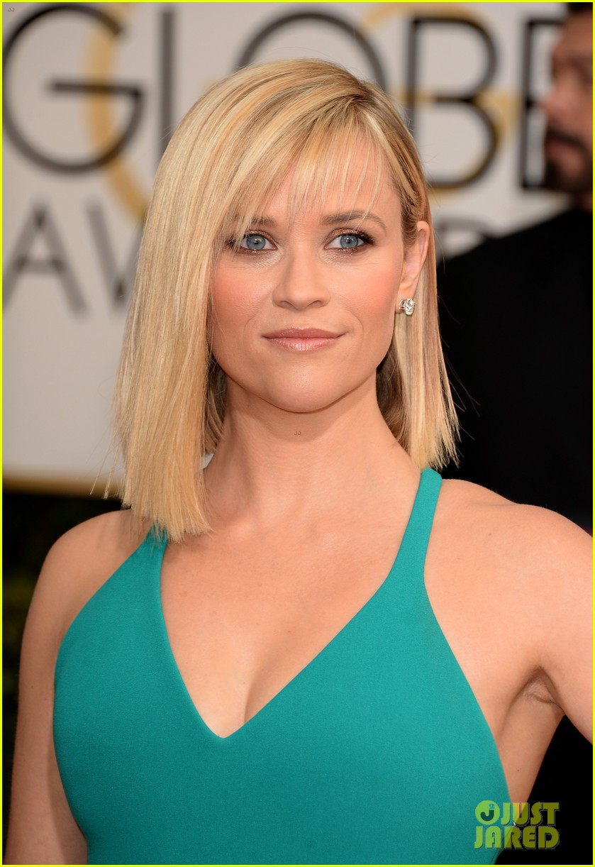 Reese Witherspoon Golden Globes 2014 Red Carpet Photo