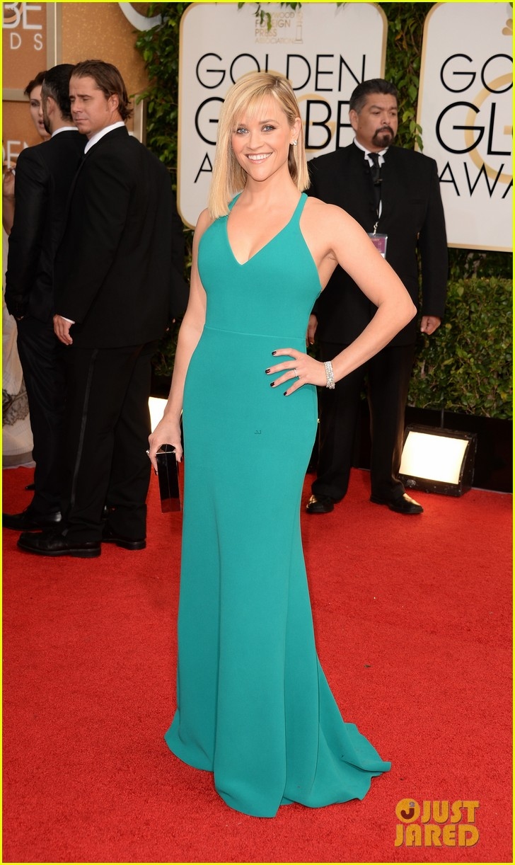 reese witherspoon golden globes 2014 red carpet 043029254