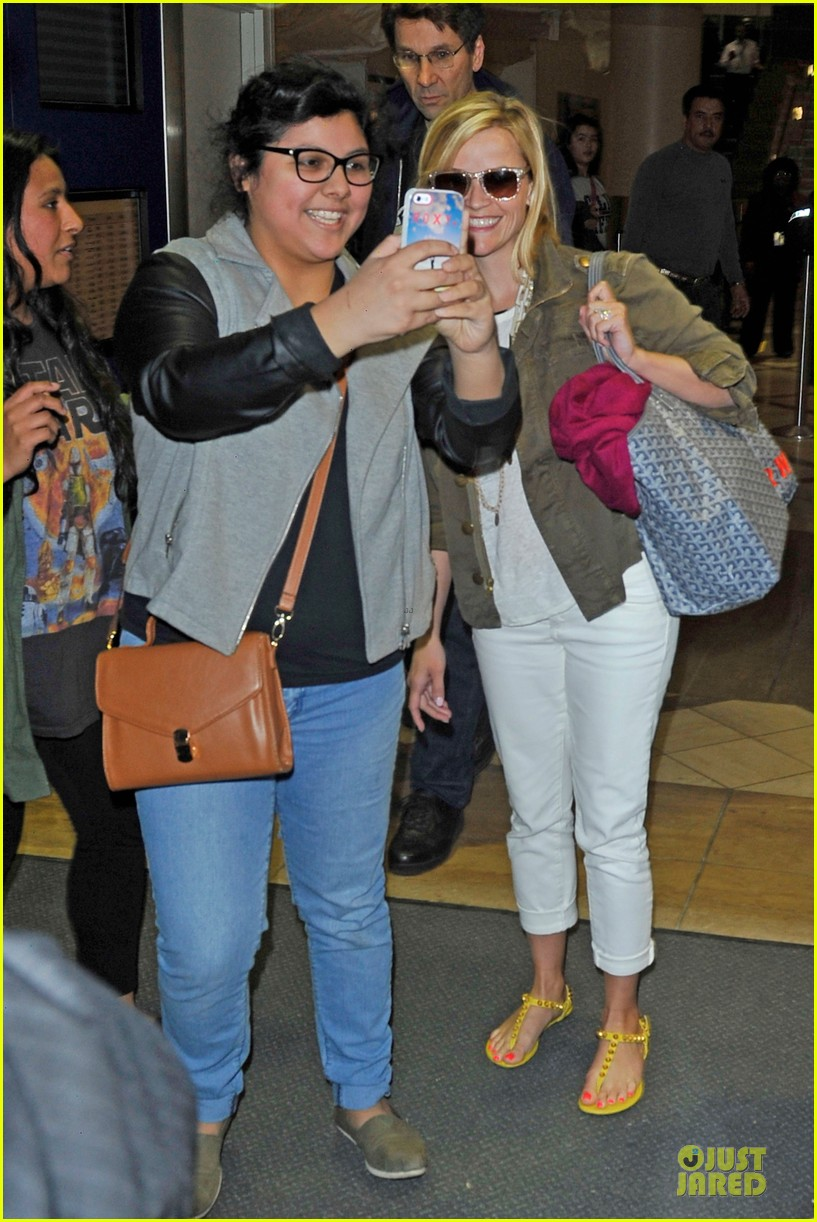 reese witherspoon lax arrival after justin bartha wedding 033024771