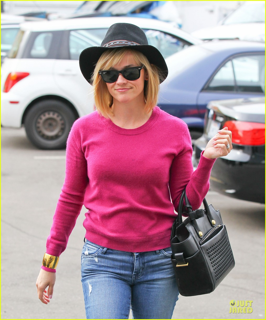 reese witherspoon lax arrival after justin bartha wedding 223024790