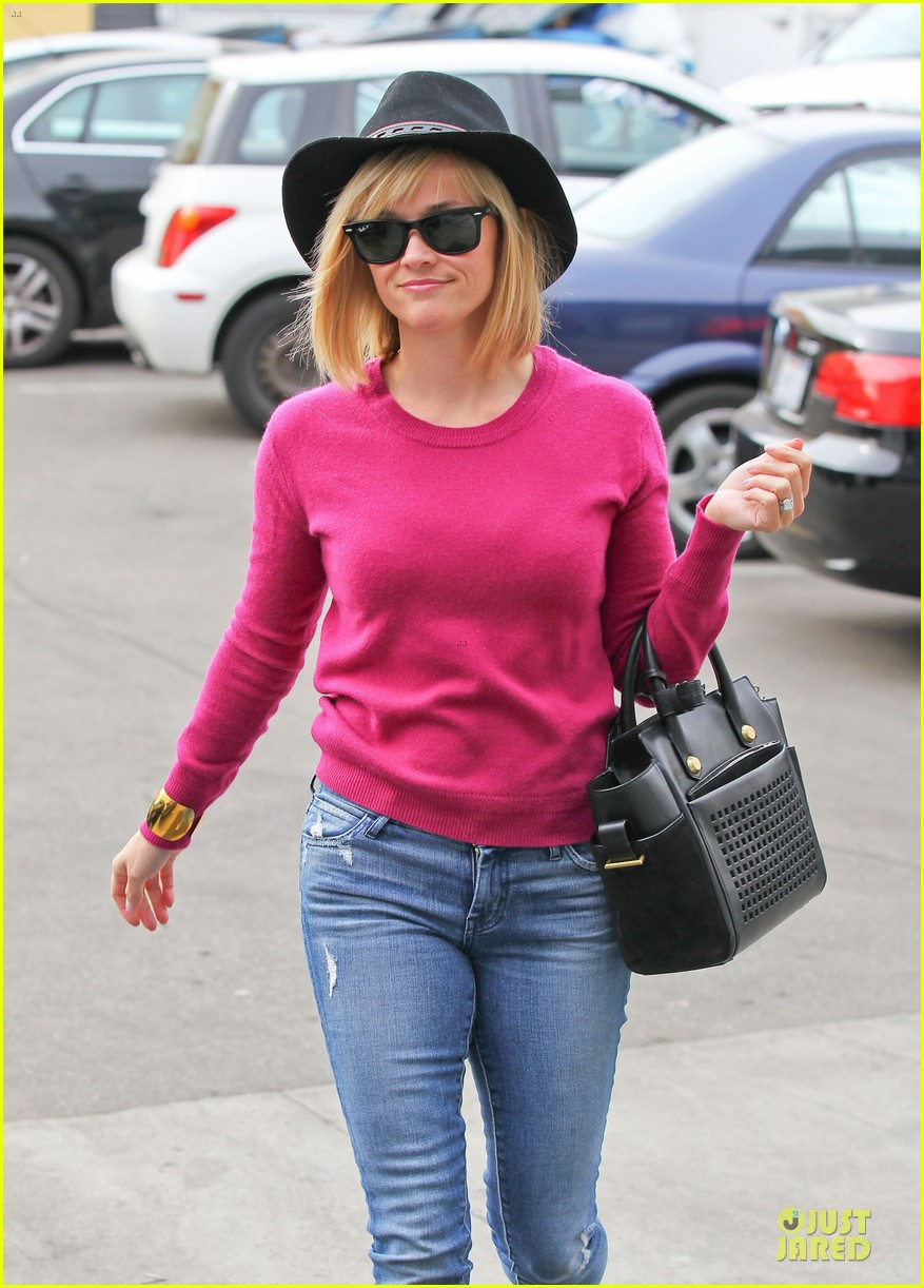 reese witherspoon lax arrival after justin bartha wedding 233024791