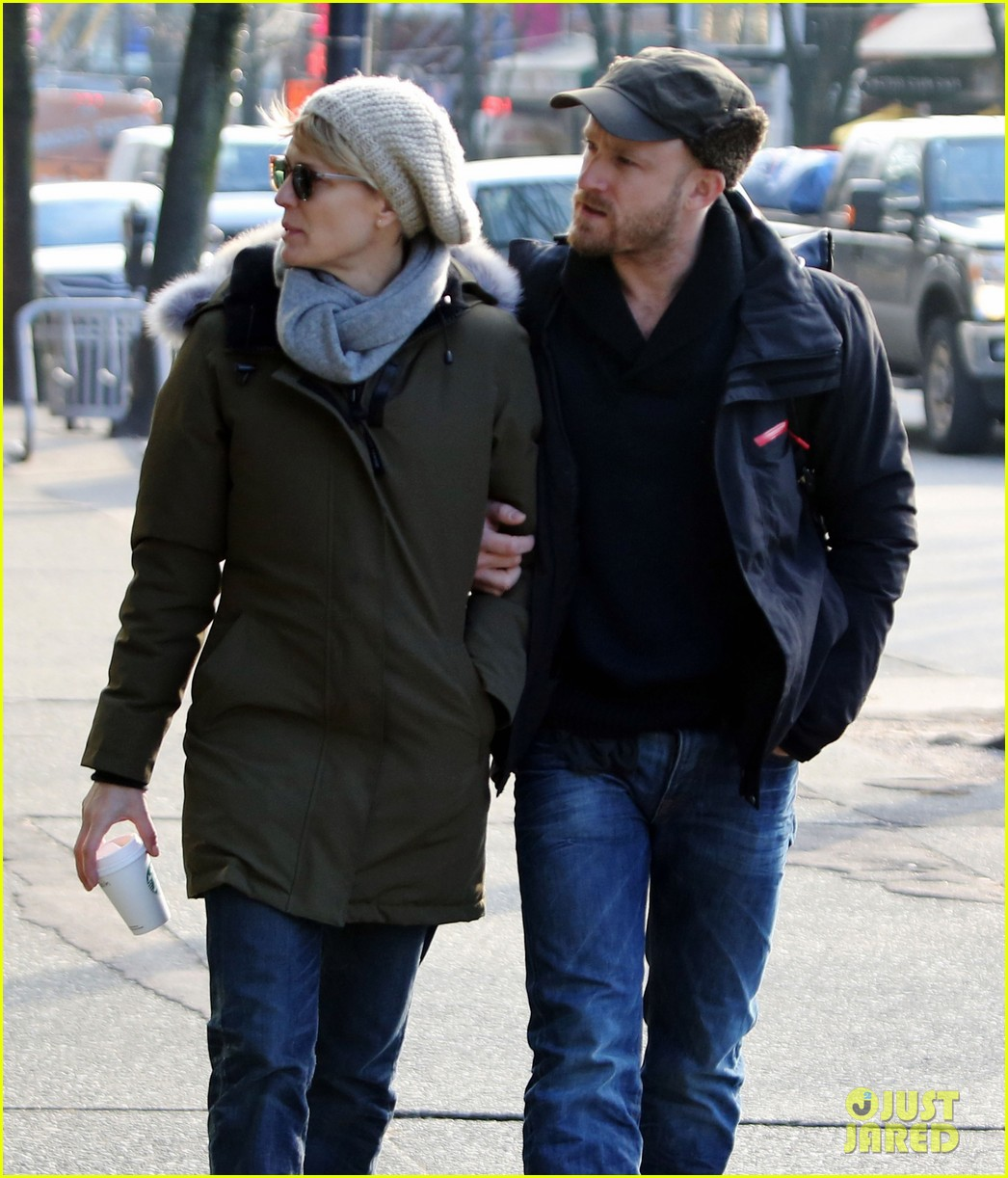 robin wright new fiance ben foster step out for daytime stroll 063037012
