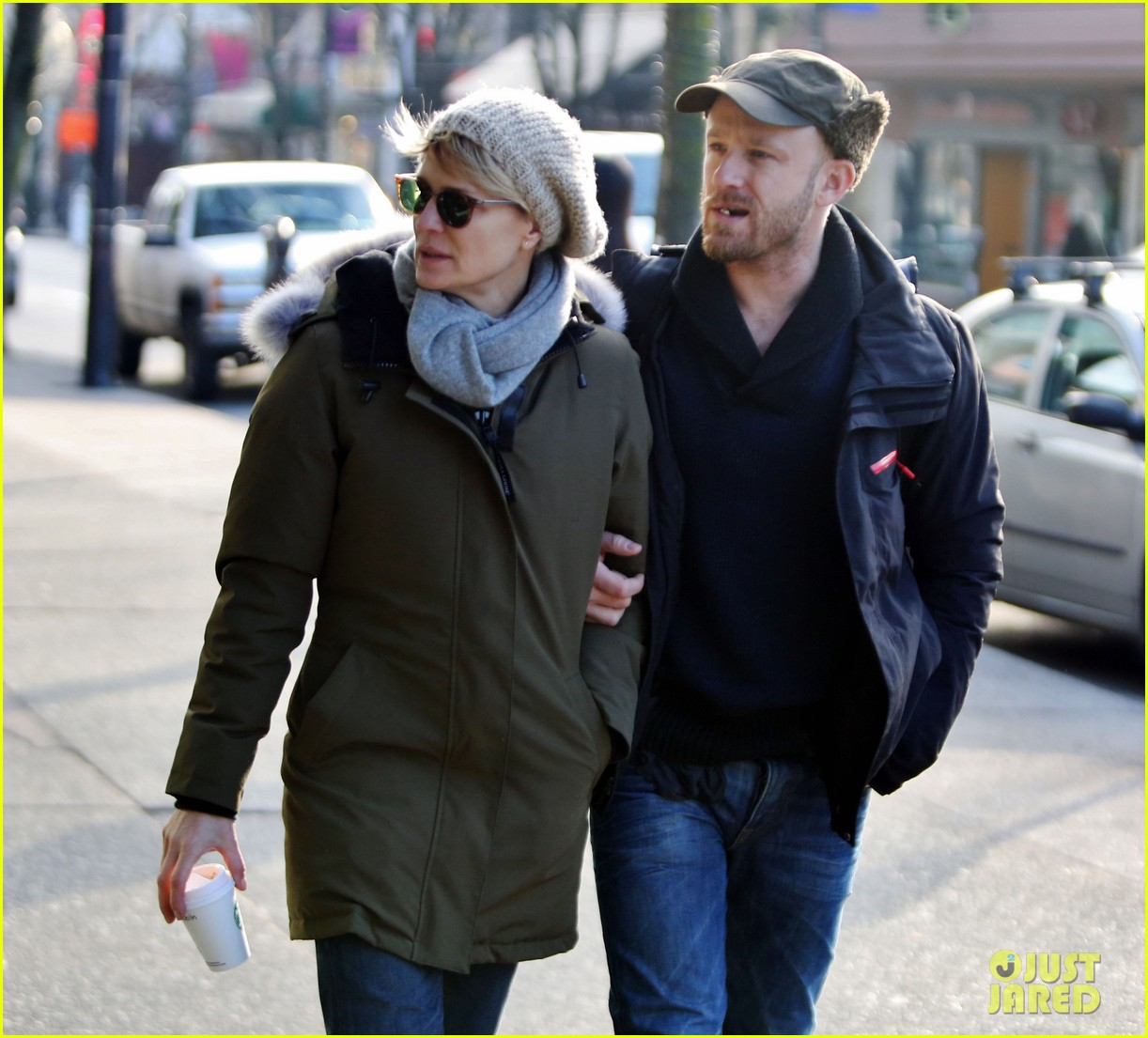 robin wright new fiance ben foster step out for daytime stroll 083037014