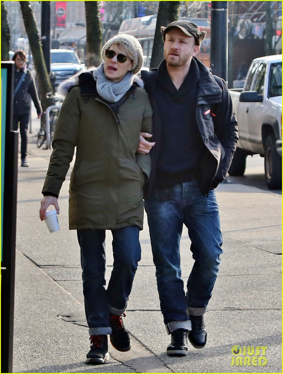 robin wright new fiance ben foster step out for daytime stroll 113037017