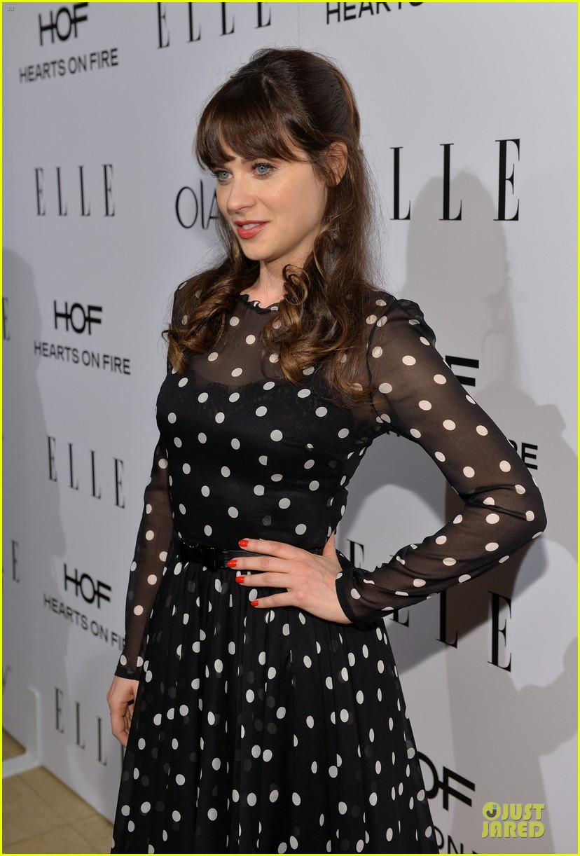 zooey deschanel mindy kaling elles women in tv celebration 2014 093038213