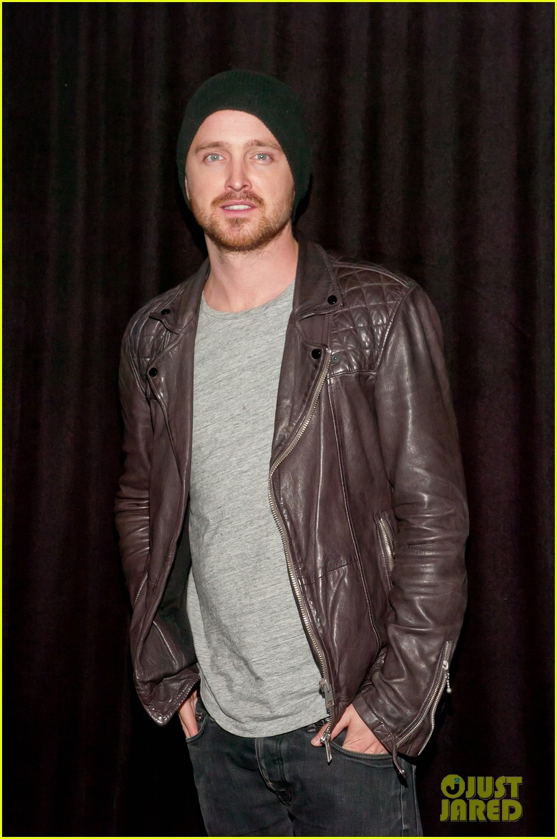 aaron paul zachary levi playboy super bowl party 2014 013045454