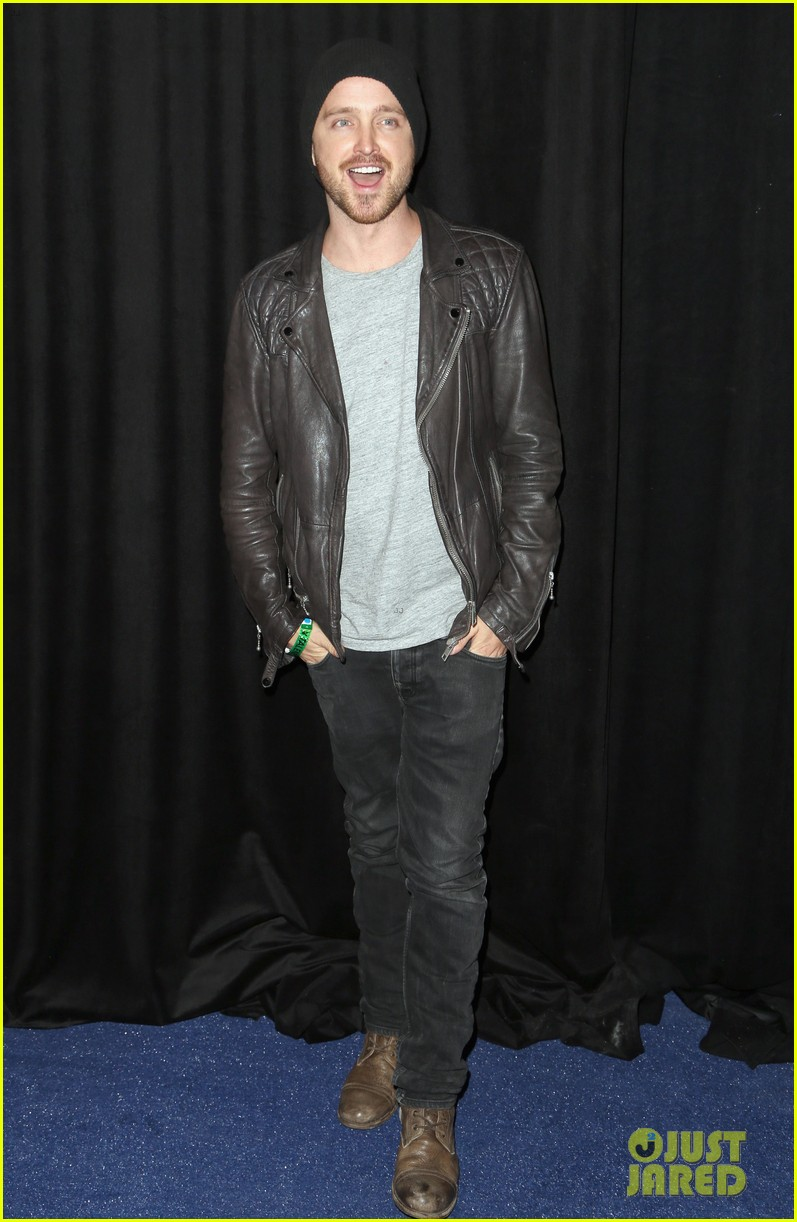 aaron paul zachary levi playboy super bowl party 2014 103045463