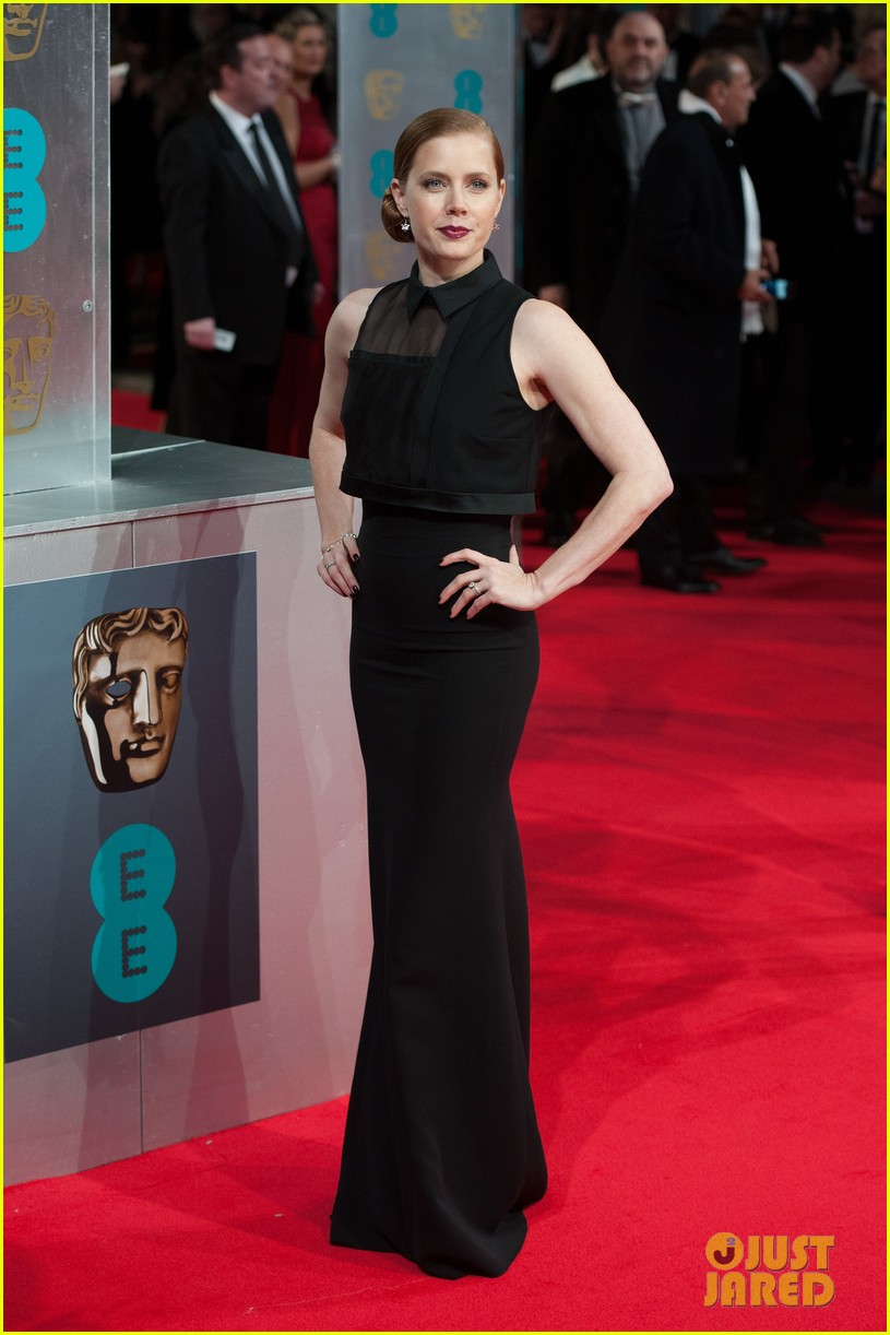 amy adams baftas 2014 red carpet 03