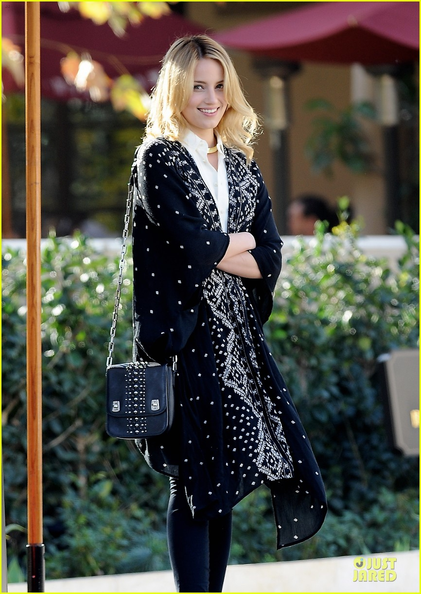 dianna agron chatting babe at bouchon bistro 043059149