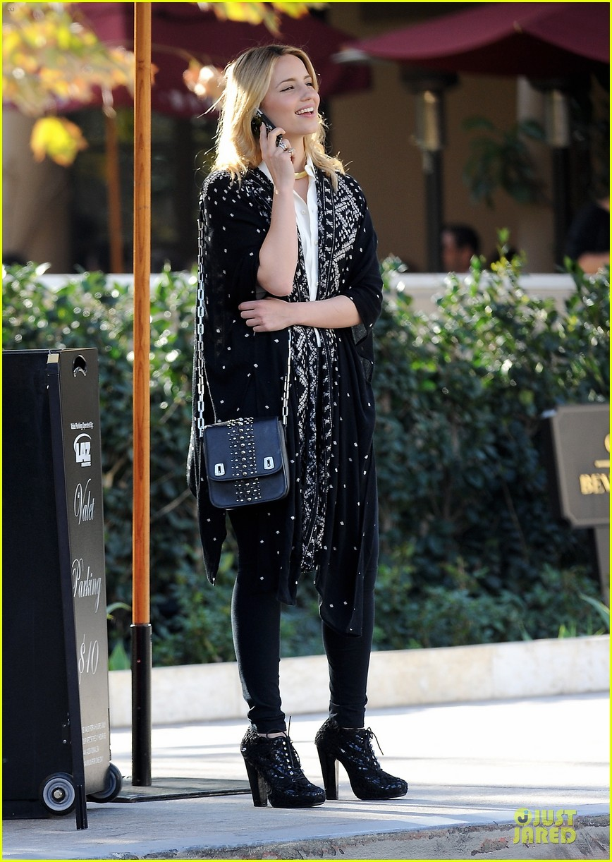 dianna agron chatting babe at bouchon bistro 05
