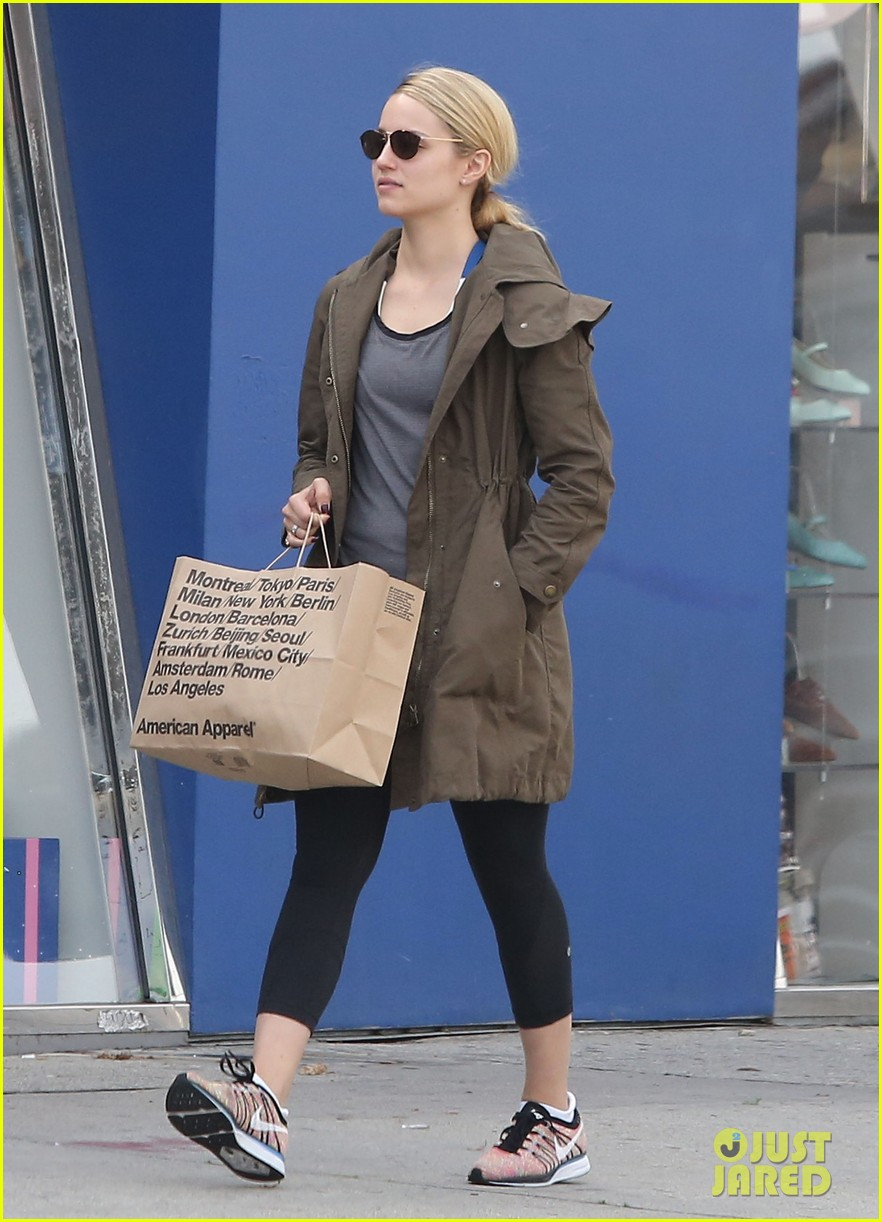 dianna agron gets her shop on at american apparel 033062365