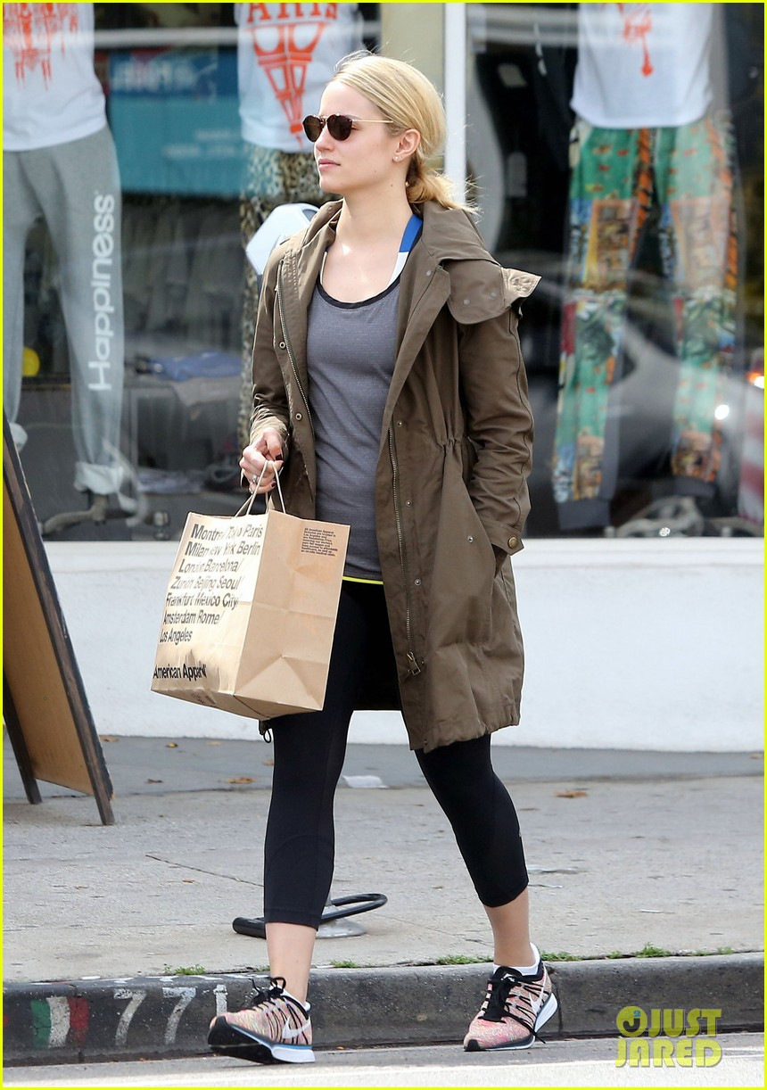 dianna agron gets her shop on at american apparel 053062367