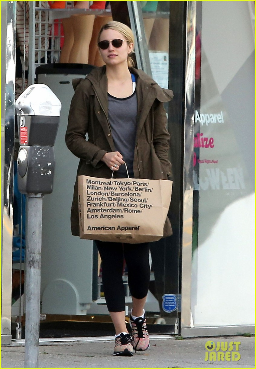 dianna agron gets her shop on at american apparel 073062369