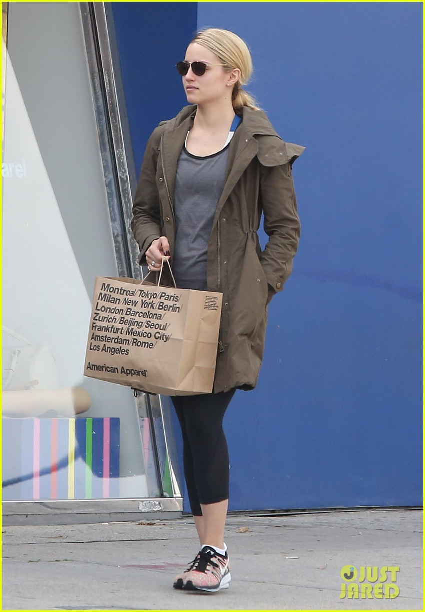 dianna agron gets her shop on at american apparel 093062371