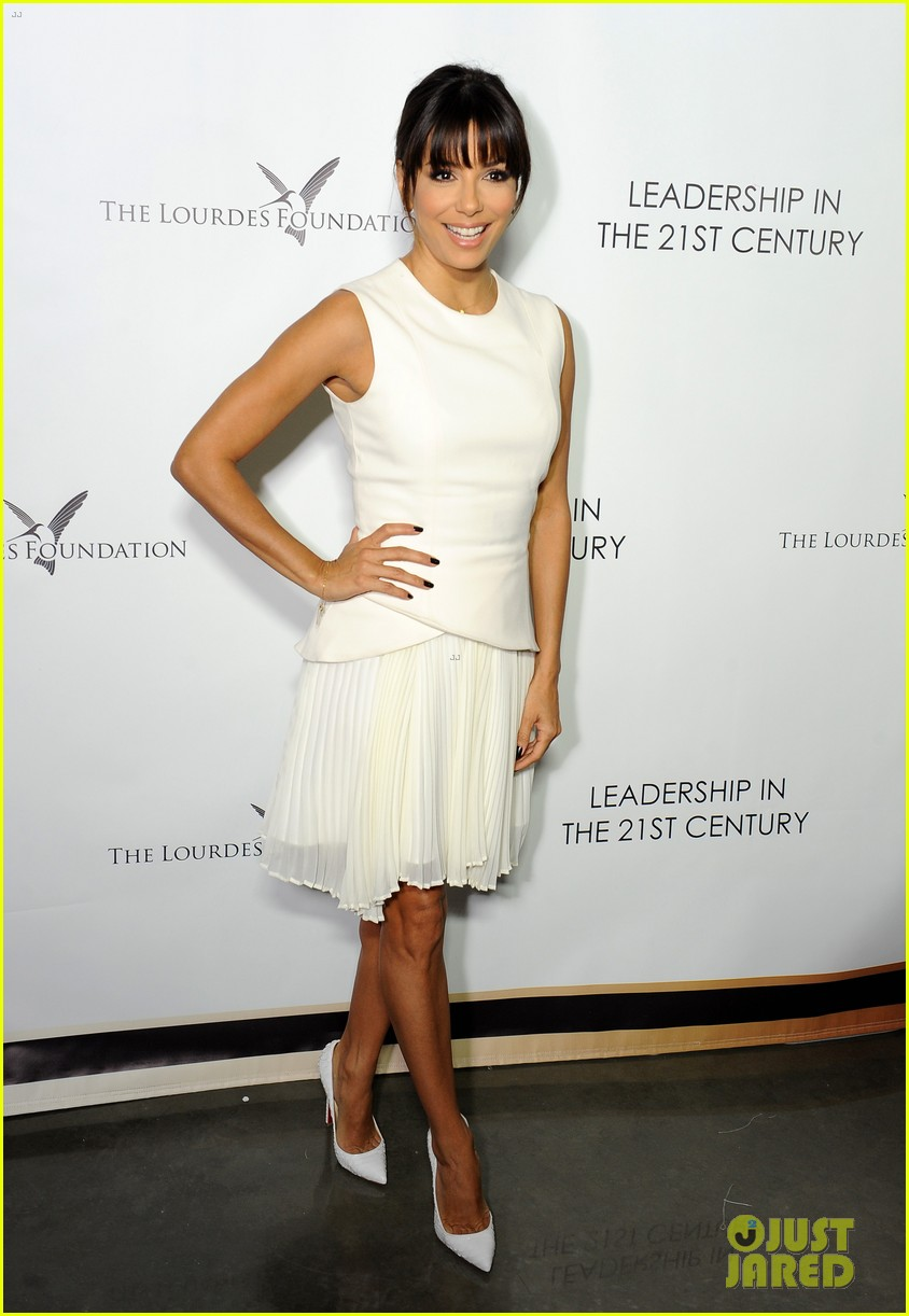 malin akerman eva longoria chic ladies at dalai lama event 013061055