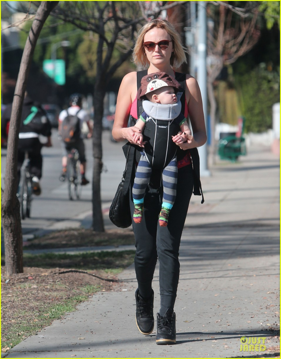 malin akerman sports shorter hair during stroll with sebastian 053058579
