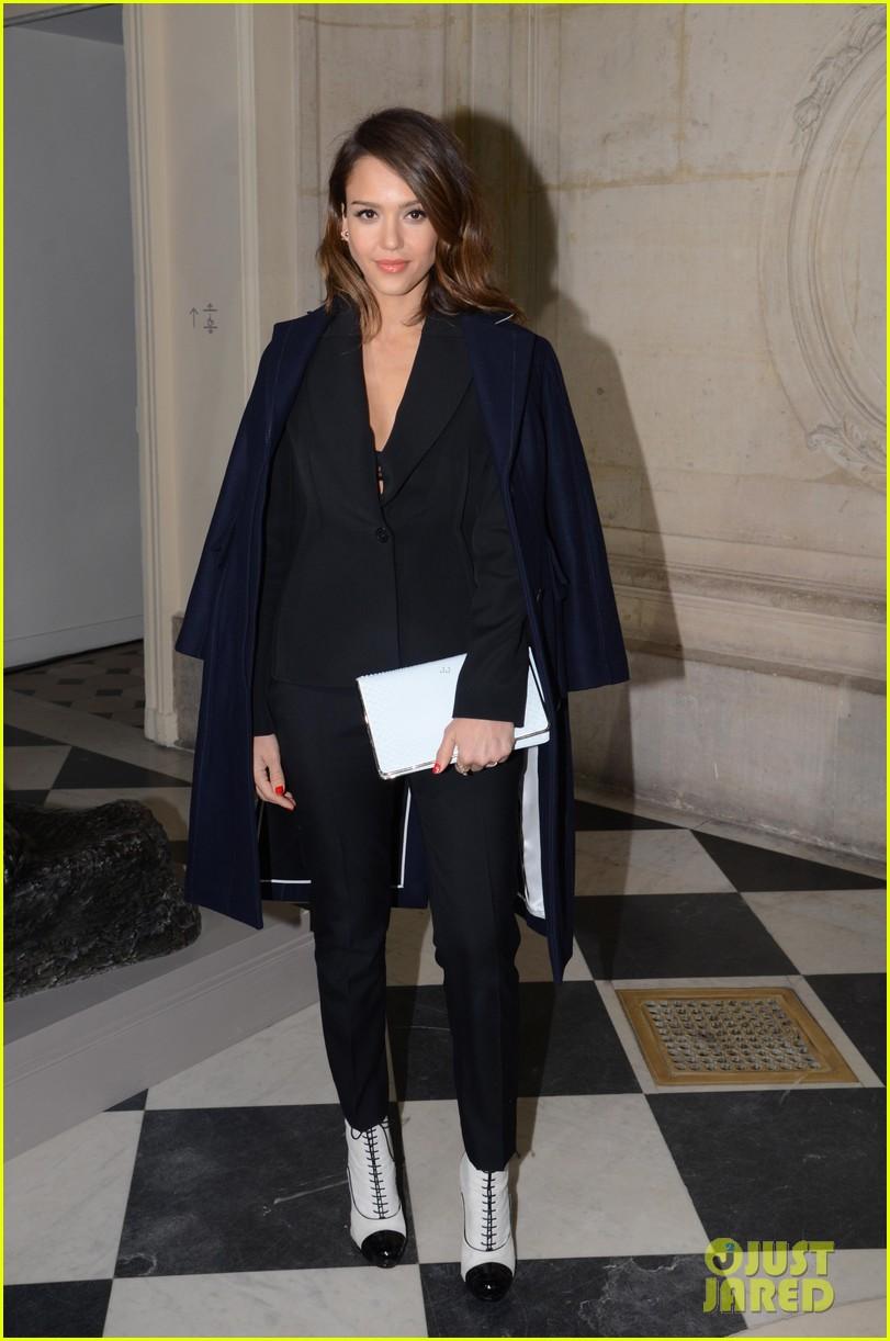 jessica alba emma roberts christian dior fashion show 08