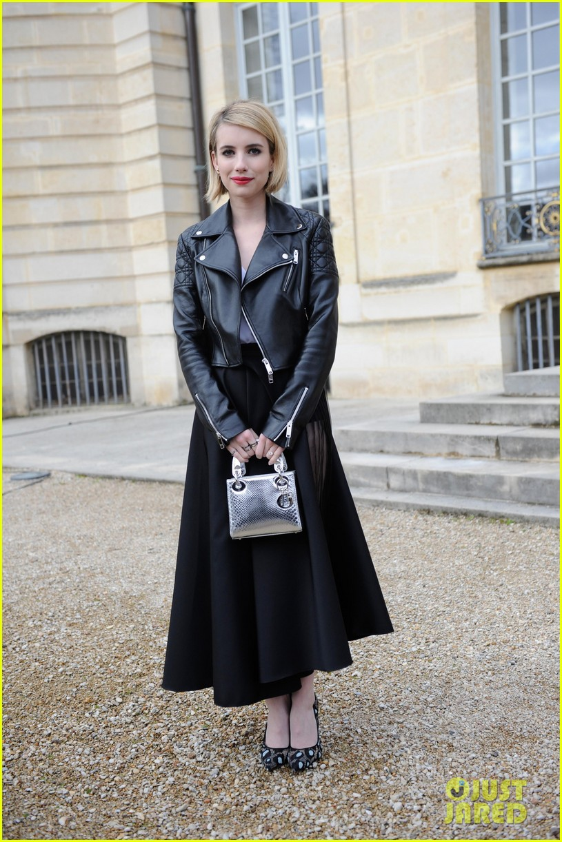 jessica alba emma roberts christian dior fashion show 093062345