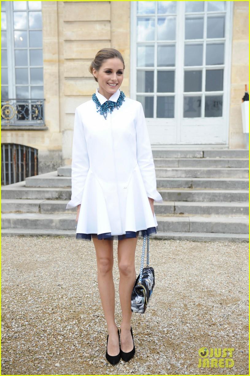 jessica alba emma roberts christian dior fashion show 173062353