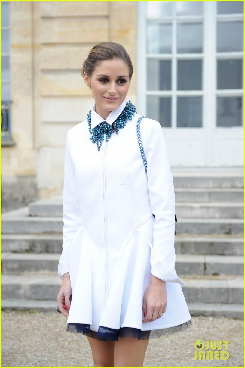 jessica alba emma roberts christian dior fashion show 183062354