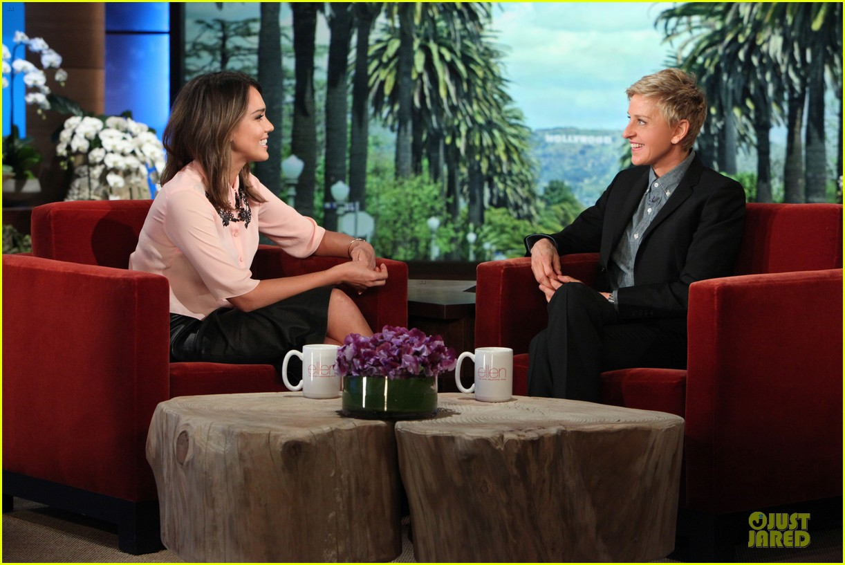 jessica alba talks cash warren pajama pizza party on ellen 053051744