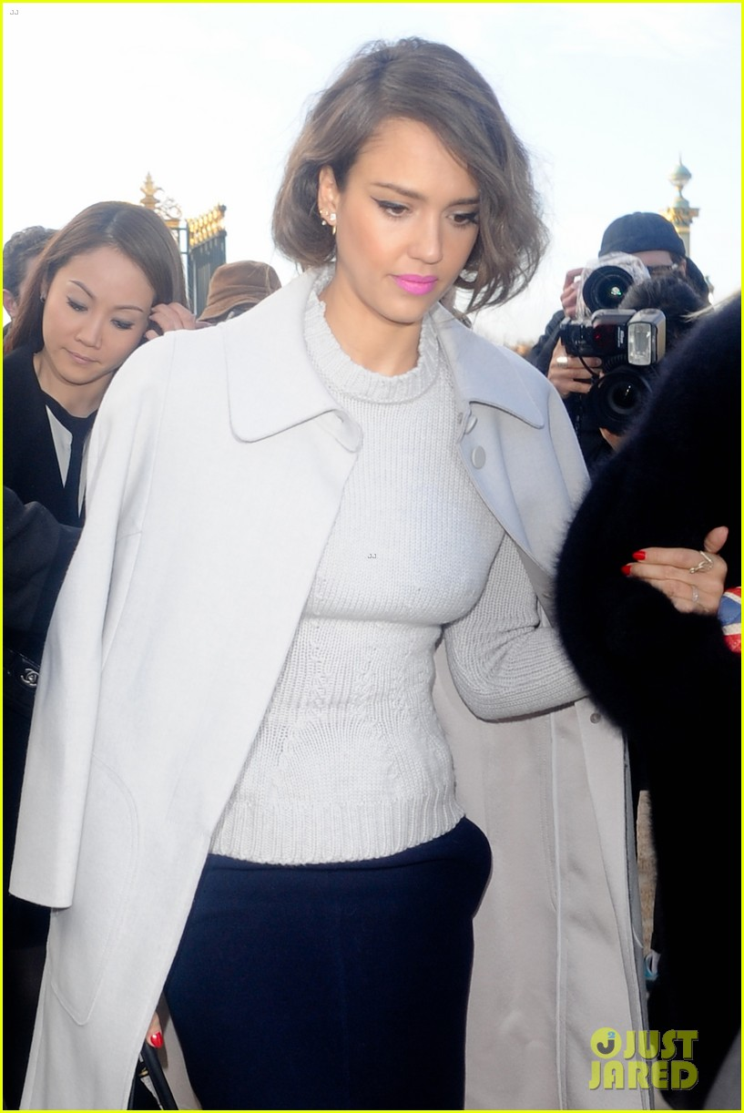 jessica alba attends nina ricci show with bff kelly sawyer 113061742