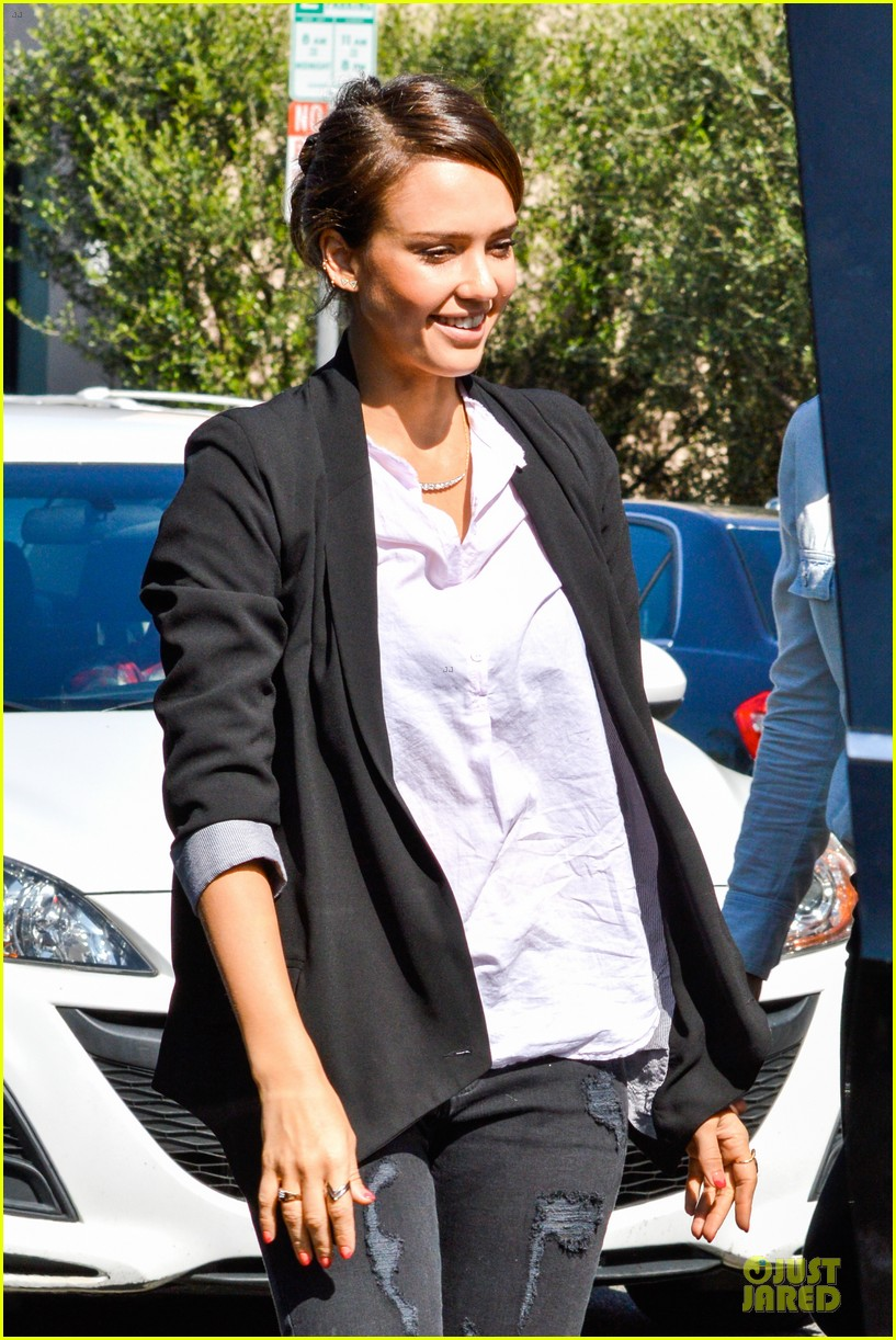 jessica alba in talks for the veil role 02