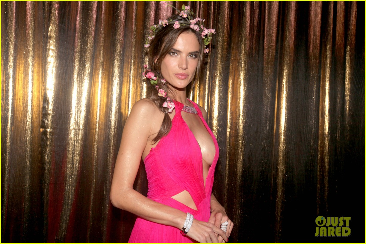 alessandra ambrosio displays all her assets with plunging neckline high slit dress 09