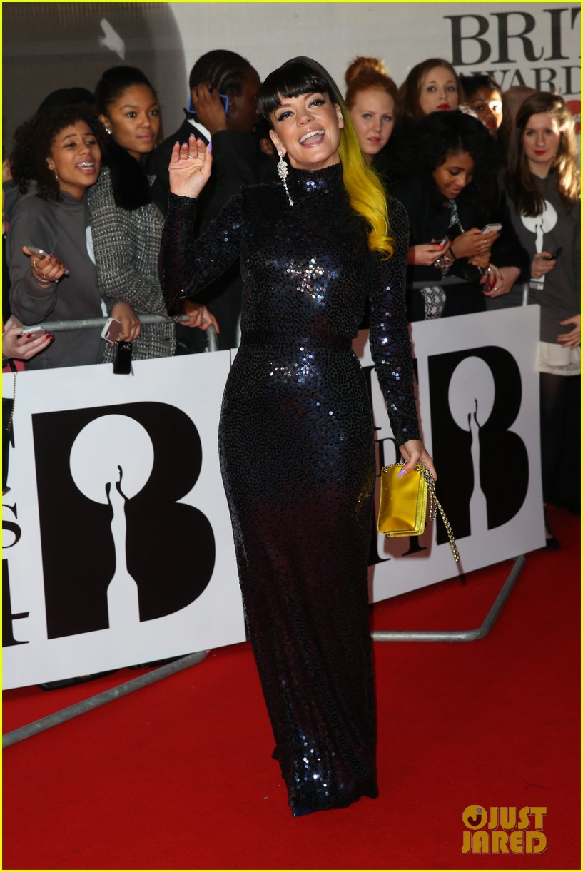 lily allen jessie j brit awards 2014 red carpet 063056298