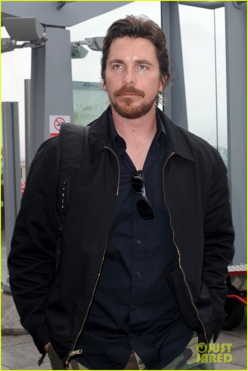christian bale wife sibi blaszic hold hands after baftas 033055157