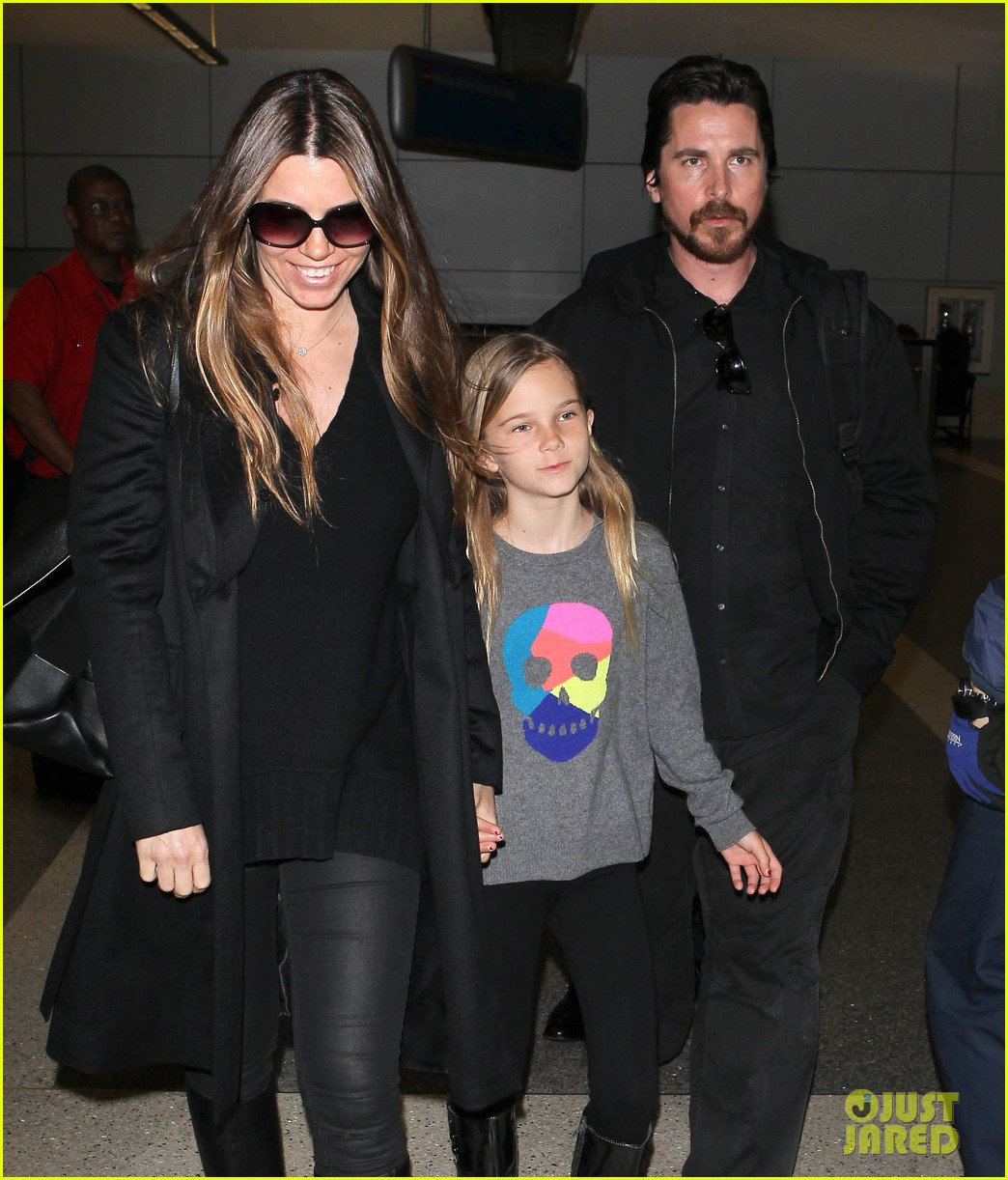 christian bale back from berlin with family in tow 023050435
