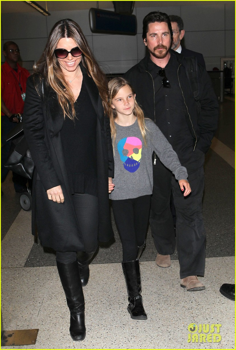 christian bale back from berlin with family in tow 06