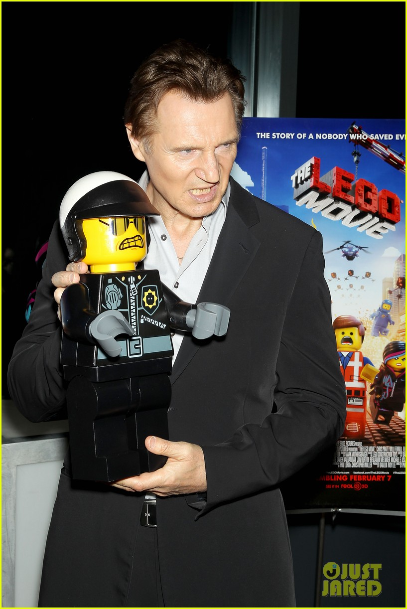 elizabeth banks chris pratt lego movie nyc screening 033048246