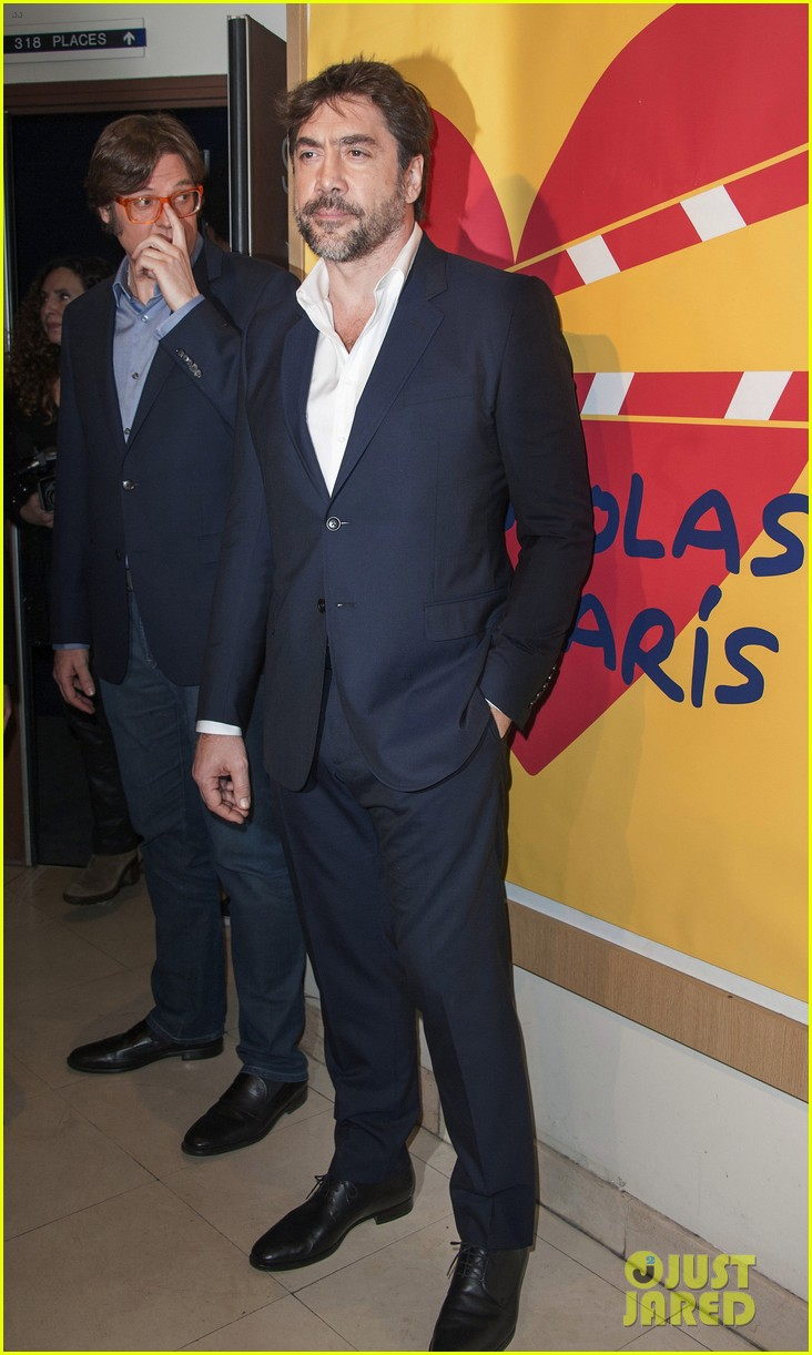 javier bardem sons of the clouds paris premiere 033056118