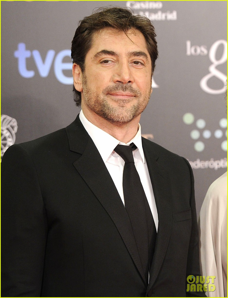 javier bardem brings mom pilar to goya awards 2014 013050485