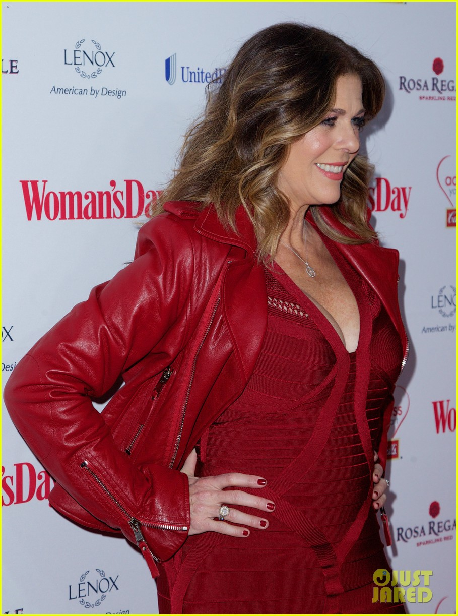 sara bareilles puts on her little red dress for womans day 093051763